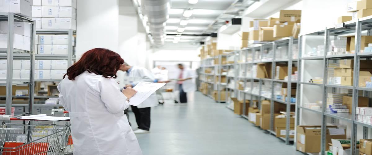 Distribuidor de produtos hospitalares descartáveis